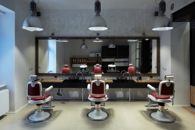 Tony Adam's Barbershop - foto: BoysPlayNice